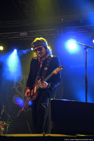 Rival Sons | Scott Holiday
